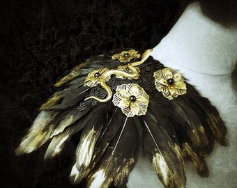 Warrior Snake Epaulettes Medusa with feathers & Metal flowers- gold or silver, Schulterstücke mit Schlangen in gold o.silber/ MADE TO ORDER
