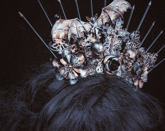 Quickly available, Gothic Bat Vampire Crown ,halo Headpiece in different colors available/Gothic Bat Crown