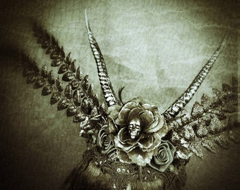 Gothic headpiece, horns and skull headpiece in black / Resin skull and horns headpiece/ ready to ship