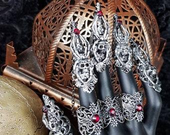 READY TO SHIP / Spider Skull Finger Armor , Medusa Finger claws, Metal glove, Fingerkrallen, in antique silver for 1 Hand