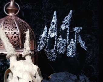 Snake Finger Armor, Medusa Finger claws,Metal glove, Finger claws with snakes, different colors available, Antique look /MADE TO ORDER