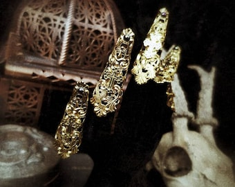 "Finger claws ""Golden Gothic"" in gold with a cross and pearls/Fantasy Finger Krallen, Fingerclaws in gold with pearls & crosses"