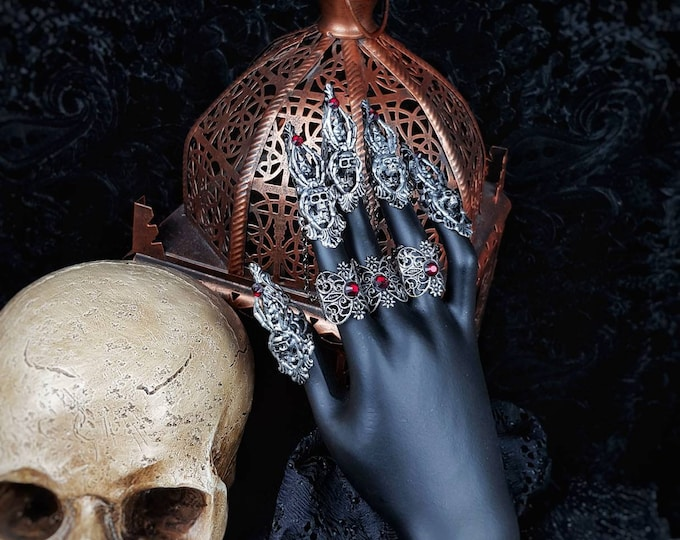 Spider Skull Finger Armor , Medusa Finger claws,Metal glove, Fingerkrallen, different colours available, Antique look /MADE TO ORDER