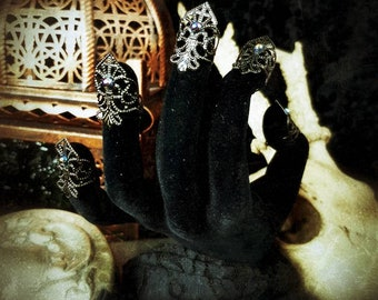 Black Pearl, finger metal claws in black with colorpearls/finger claws, fingerclaws in black with colorful little pearls