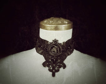 Gothic rose chocker, black lace collar with pearls, black Choker with Pearls and a Rose/READY TO SHIP