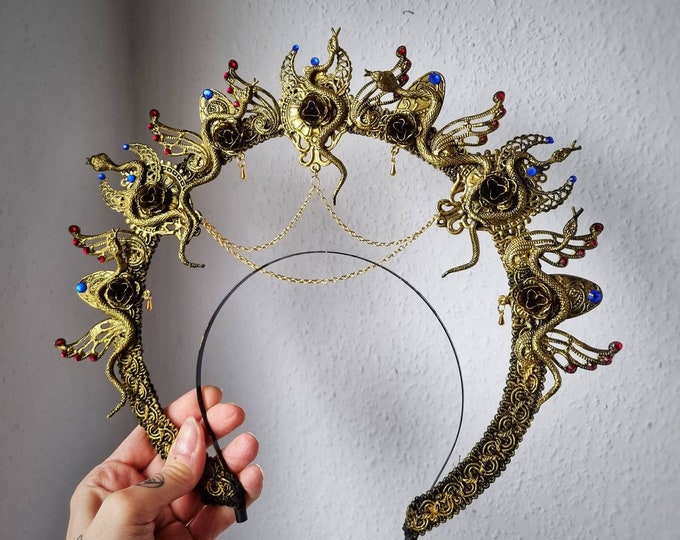 READY TO SHIP / Halo Medusa Queen, Cleopatra crown, Medusa Costume, pharao, pagan, gothic headpiece, cosplay, goth crown, blind mask