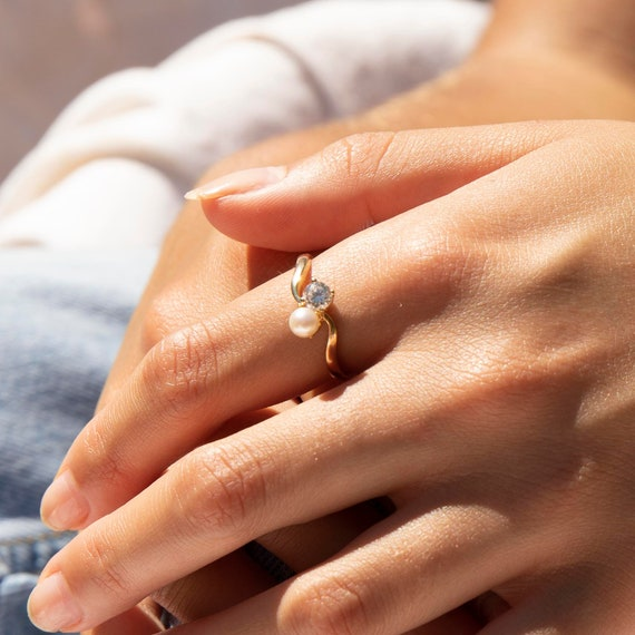 9ct gold - pearl antique ring - cz ring - pearl ri