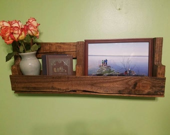 Pallet Shelf / Light Brown Stain