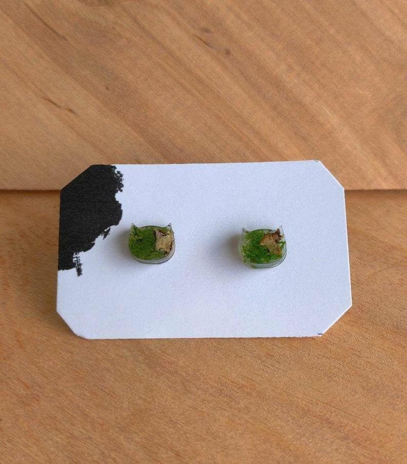 Real Moss Earrings Moss Jewelry Resin Moss Earrings Natural Moss Forest jewelry Moss in Resin Terrarium Stud Earrings,Moss terrarium