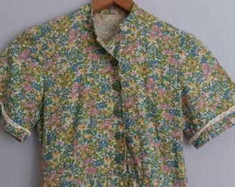 Pretty 1950s floral shirtwaist dress