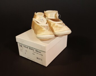Vintage Baby Shoes Mrs. Day's Ideal Satin Infant Shoes Baby Gift Never Used Size 1  Original Box and Literature