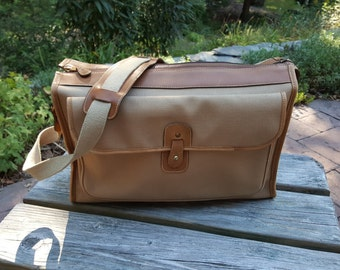 Brahmin Sperry Top Sider Messenger Sturdy Canvas And Leather Roomy Computer All Purpose Shoulder Bag