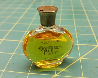 Quelques Fleurs by Houbigant Eau de Toilette Printed on Back, New York, NY, Blended in USA