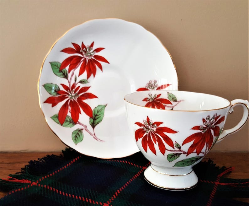 Teapot with Lid Cup and Saucer Poinsettia Design Christmas Tea for One