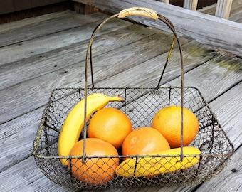 French Wire Basket with Wicker Handle Fruit Holder Sturdy Framed Carrier for Dinner Ware Vegetables Market Basket
