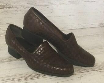 94ec675c10e Vintage brown woven shoes ladies Nicole 6m Brazil retro dress women s office