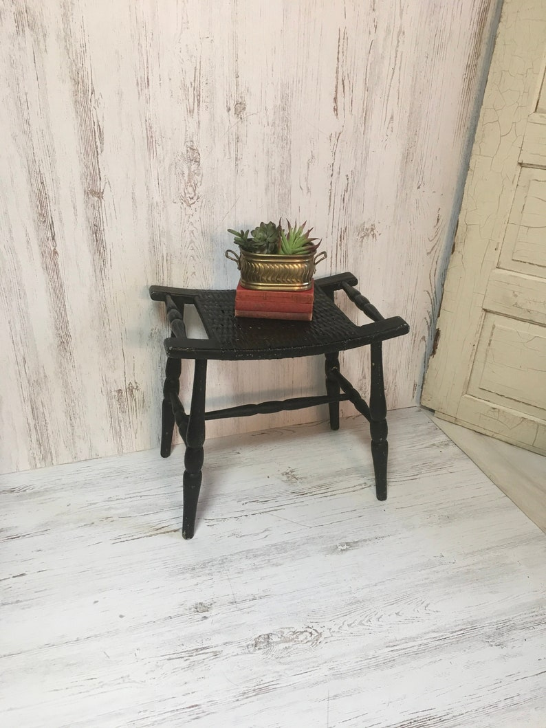 Swell Vintage Wood Bench Stool Woven Black Vanity Farmhouse Decor Country Furniture Seat Chippy Chair Inzonedesignstudio Interior Chair Design Inzonedesignstudiocom