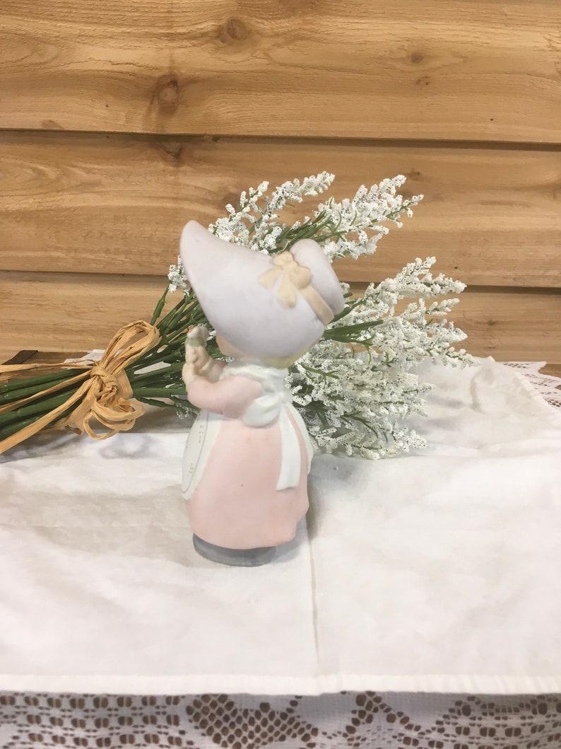 Vintage Homco figurine little girl flower basket decor retro gift