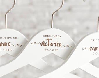Personalized Hanger, Wedding Dress, Custom Name Hanger for Wedding, White Wedding Hanger, Wedding Dress Hanger, Bridesmaid Gift H24