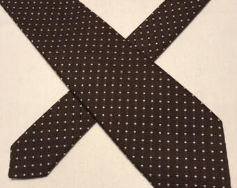 Vintage Van Heusen brown polyester tie