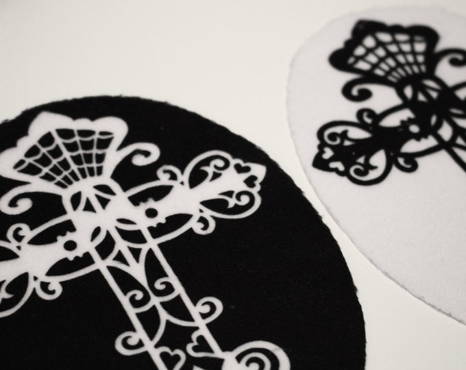 Fluffy Doll Rug - Filigree Cross Super Soft Rug for Monster High, 1/6 Scale Dolls