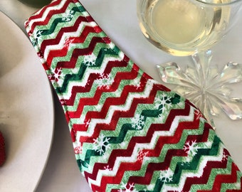 Festive Holiday quilted wine bottle tote bag | Free US shipping | Christmas | host wine gift