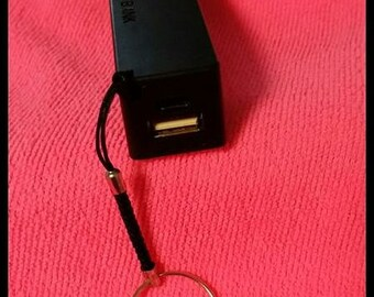 Rechargeable Battery Pack, Free Shipping, Portable power, Recharge cameras phones or light boxes anywhere, Approx 2 hours