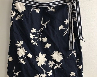 8ac53d26a5 White Stag Skirt Size 6 Womens Navy White Vintage Wrap 90s