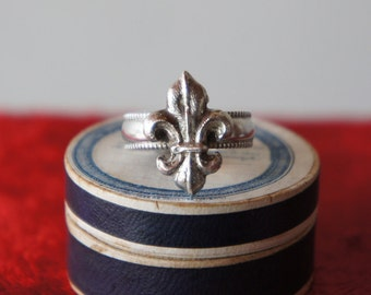 Solid Silver Antique French Fleur de Lys Ring - Ready to ship