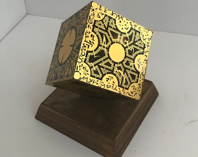 Hellraiser Puzzle Box 1:1 Static Replica Lament Configuration Gold Finish Stand Not Included