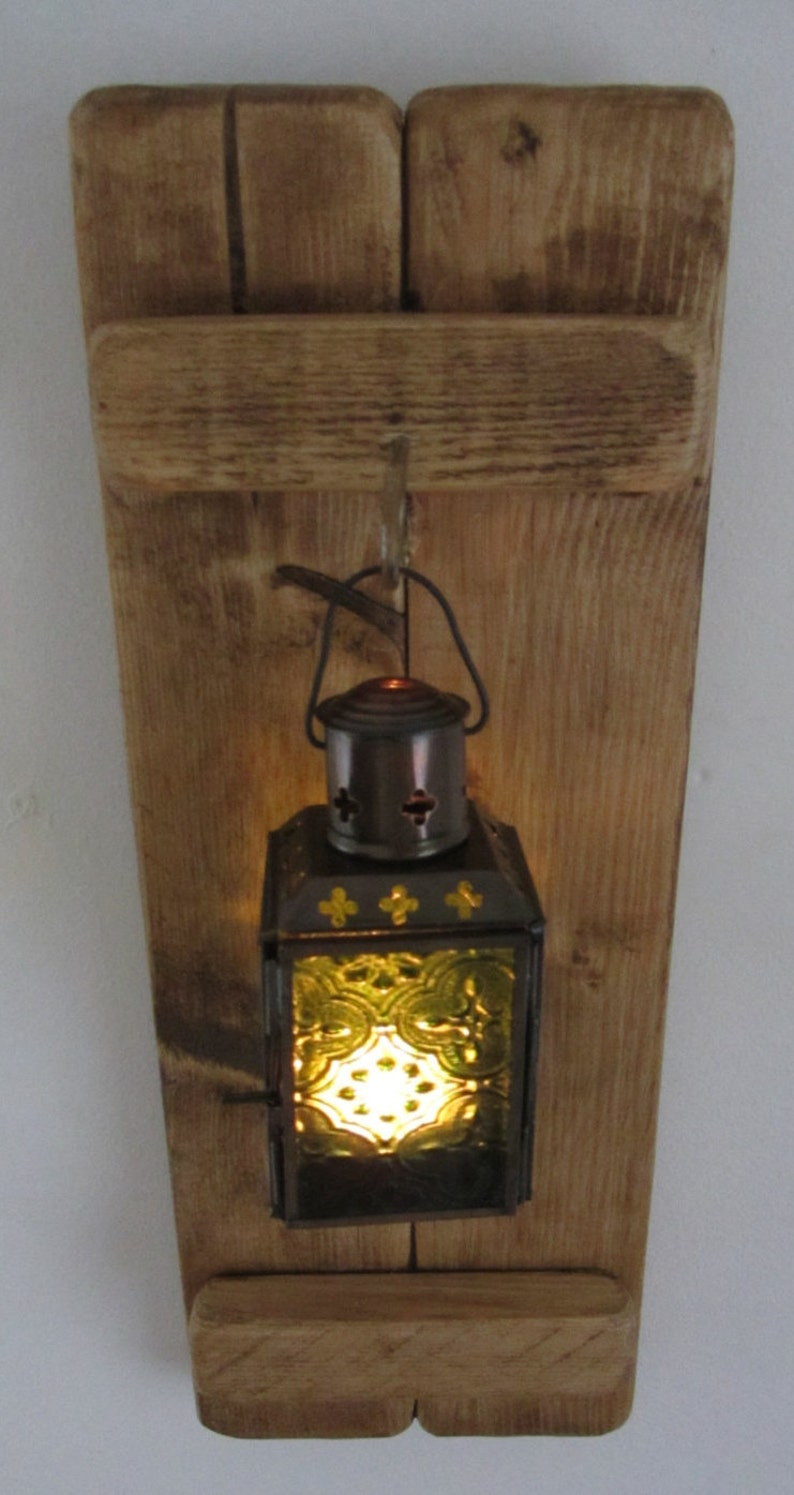 38 cm Reclaimed pallet wood wall sconce with hanging ...