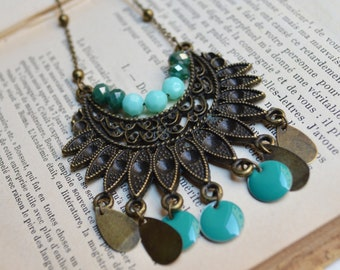 """Necklace """"Gipsy"""" bronze and green water, sequins and beads"""
