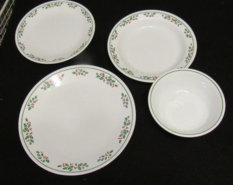vintage discontinued corelle christmas dinnerware winter holly 3368