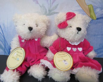 Heartfelt Treasures by Jerry Elsner Style 7627 Stacey and Lacey White Bears in Pink Outfits with Original Tags  2622