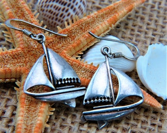 "Irish 925 Sterling Silver Sailing Drop Earrings  Marked ""PSCL"" Peter Stone of Dublin Ireland 2.8 grams 1 3/8"" long"