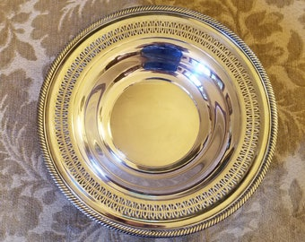 """WM A Rogers Silverplate Round Bowl - 12 1/2"""" Diameter Bowl with Reticulated Edge, WM A Rogers 835"""