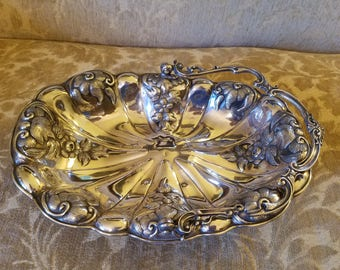 Antique Silverplate Brides Basket, possibly made by Rogers Smith, Damaged handle Repousse