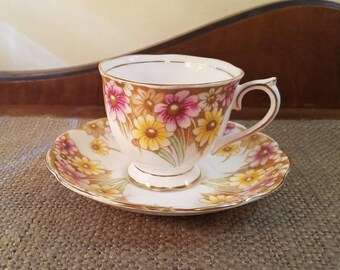 "Vintage Royal Albert ""Maryland"" Teacup Set - 2 3/4"" Tall -  Painted Daisies Flower Tea Cup - Vintage Tea cup,- Pink, Yellow Daisies"