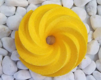 Lime Kissed Lemongrass - Swirled Bundt Bath Bomb - LARGE  6oz - Lemongrass, Lime, Lemon - Moisturizing Bath Fizzy