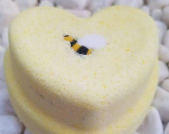 Honey, I love You - Heart Shaped Bath Bomb - LARGE  6oz - Honey, Almond,Butter - Moisturizing Bath Fizzy with Bee - Bath Bomb with Bee