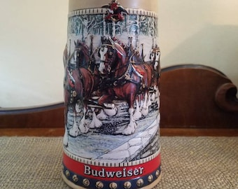 "Vintage Budweiser Anheuser-Busch Beer Stein 6 5/8"" T - 1988 CS88 - Cydesdales Crossing Country Bridge - Collectors Series- Red and Blue Trim"