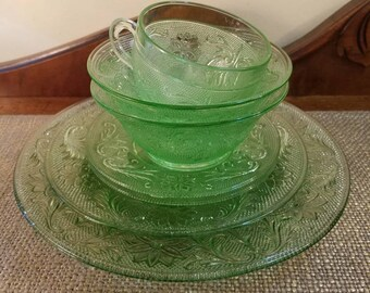 Vintage Green Glass Mixed Lot, Indiana Glass Tiara Series Chantilly green Glass - Set of 7 - Daisies and Stars Diamonds, Plate Bowl Saucer