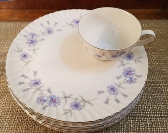 """Vintage Giftcraft (made by Noritake) Fine China Teacup Snack set of 4, 2 3/4"""" Tall in Radiance with Flat Cup & Saucer  4 Cups 4 Saucers"""