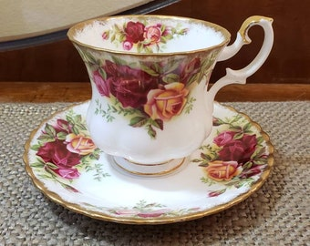 Vintage Royal Albert China Old Country Roses Teacup and Saucer, Vintage English China Teacup