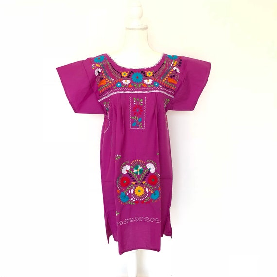 faa91648fe Mexican embroidered dress Mexican embroidery Embroidered