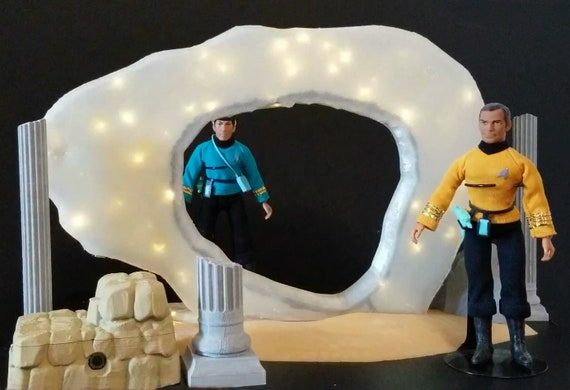 Star Trek TOS Guardian of Forever with Light /& Sound 10 inches tall Completed