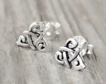 Boucles d oreilles Triskel Celtiques en Argent 925 Sterling Silver Earrings  Stud Earrings Celtic Symbol Clous Puces en Argent Triskel d0d0c92da50