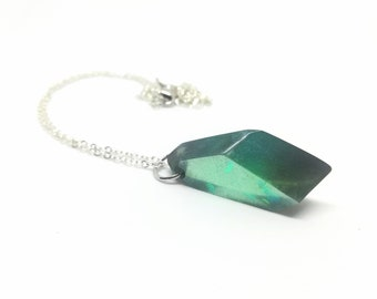 Maldraxxus Anima Crystal Minimalist Necklace - Necrolords - Green Resin Gemstone Necklace with Silver Chain - Jewelry for Gamers