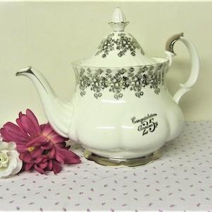 Bernadotte Sonata Teapot Bernadotte Porcelaine Tea Pot 1970s Czechoslovakia Teapot Floral Bohemian Porcelain