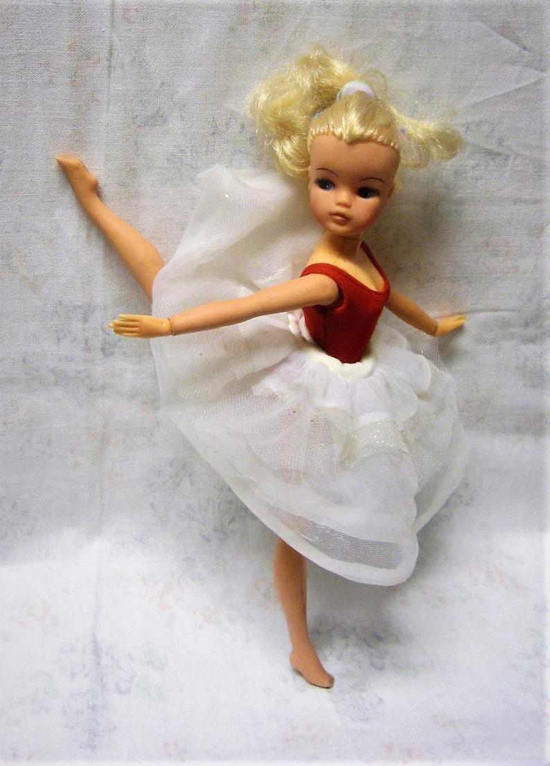 f3b25b731 Sindy Ballerina Doll 1st Issue 2 GEN 1980s Sindy Doll with